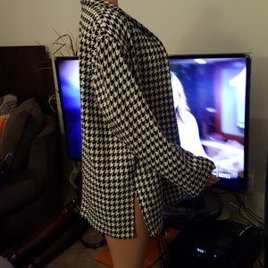 Jaclyn Smith Jackets & Coats - Long Sleeve Blazer
